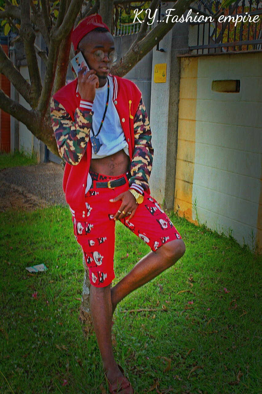HE COMMUNICATES THROUGH FASHION AND HOLD CONVERSATIONS IN DESIGNS!!! (PICS)