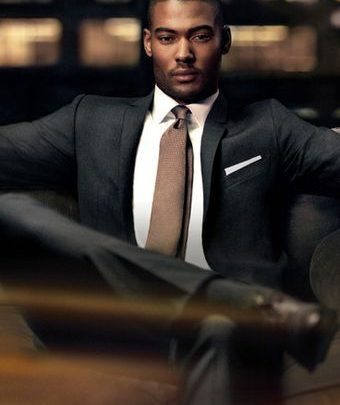 TOP 8 WAYS TO BE A GENTLEMAN IN THE VILLAGE THIS FESTIVE SEASON