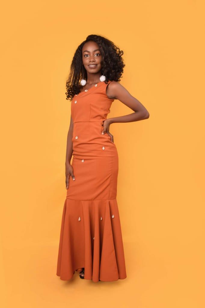 """Fashion is like eating, you shouldn't Stick to the same menu""- Whitney Muchina"